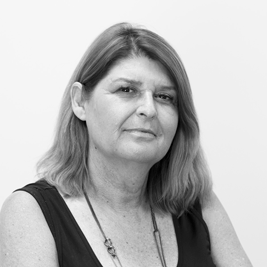 Customology_Louise-Furner_Headshot_267px